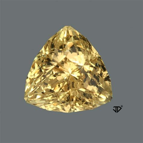golden beryl gemstone