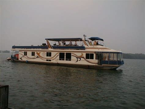 kentucky house boats kentucky houseboats 2000sq ft total for luxury living kentucky has no restrictions on how big