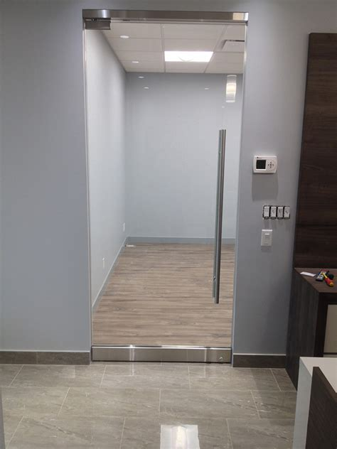 Toilet Partitions Vancouver Commercial Glass Mirror And Railing Installations
