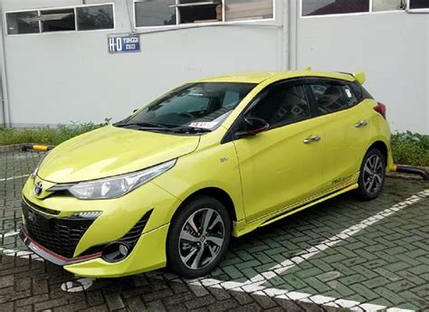 interior yaris trd sportivo 2018 2018 toyota yaris trd sportivo spied undisguised ahead of