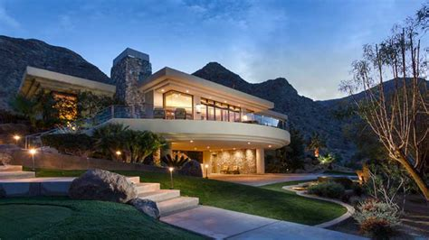 obama buys house in hawaii snopes is obama looking for desert real estate post presidency