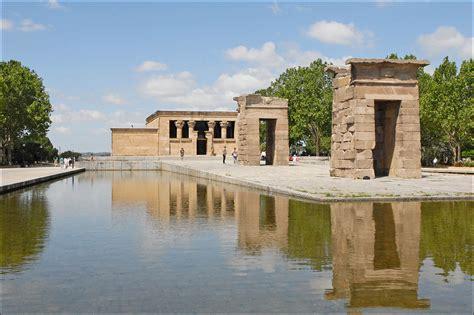 temple of debod madrid spain file templo de debod madrid 31 jpg wikimedia commons