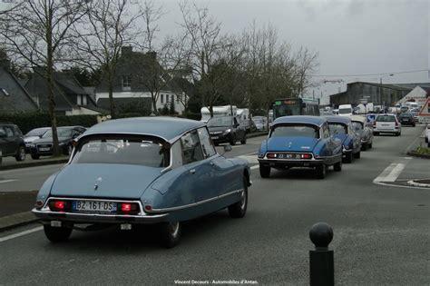 Voiture Sortie De Grange by Sortie De Grange Et Vente Aux Ench 232 Res Automobiles D Antan