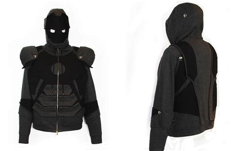Hoodie Ironman 1 iron suit hoodie has war machine s color and a t shirt s material technabob