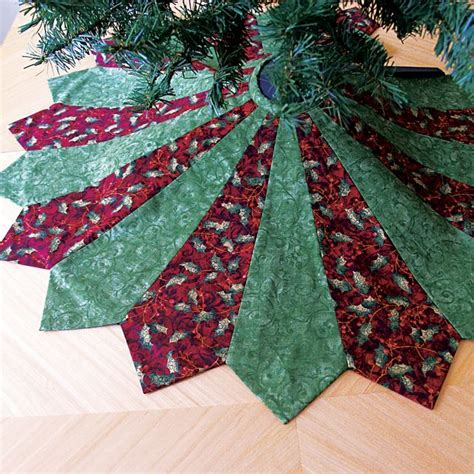 Patchwork Tree Skirt - 20 free quilted tree skirt patterns guide patterns