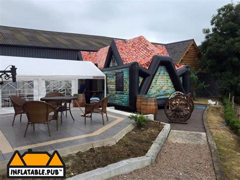 6 house pub 6 house pub 28 images file the halfway house pub at the challock roundabout