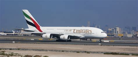 emirates what s on my flight italian lawyer suing emirates after sitting next to large