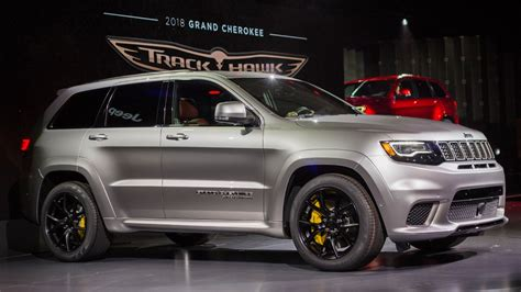 trackhawk jeep hellcat the hellcat powered 2018 jeep trackhawk is quicker 0 60