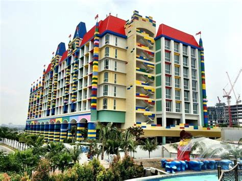 themes hotel johor the premium adventure room with its 3 bunk beds for the