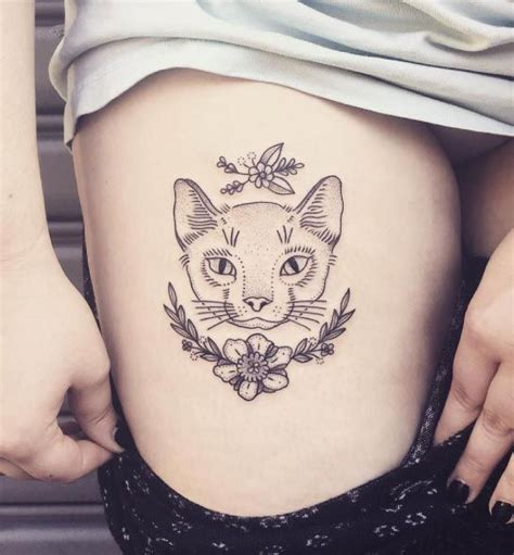 cat tattoo upper leg these 45 thigh tattoos for women might just be the best