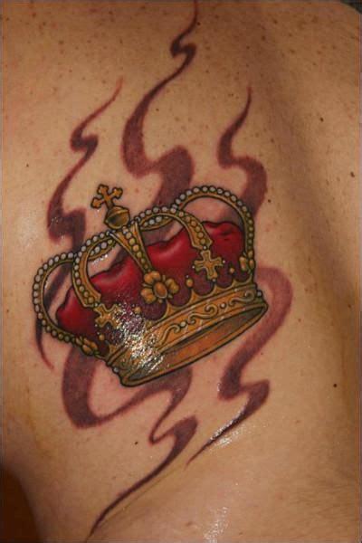 red diamond tattoo kavos pi 249 di 25 fantastiche idee su tatuaggi corona su pinterest