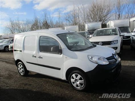 renault kangoo cars price  year  manufacture