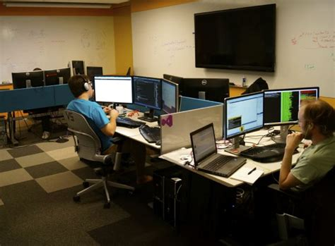 Computer Programmer Work Environment by How Microsoft S Developer Division Changed Its Workspace And Transformed How It Works Geekwire