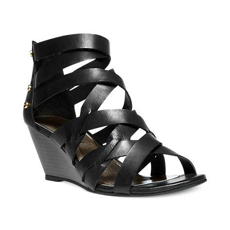 madden wedge sandals madden hiighfiv wedge sandals in black lyst