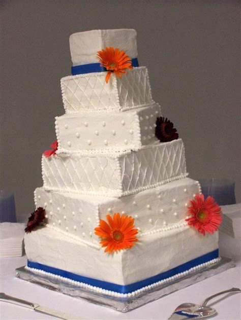 giant wedding cakes a 6 tiered giant the cake lady