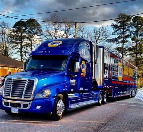 images  race transporters haulers  pinterest toyota ups international  jr