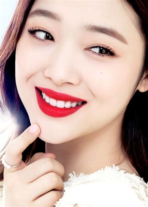 Lipstik Sariayu Merah tahukah kalian 5 kekuatan lipstik merah unik