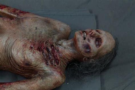 Ante Un Cadaver Los Poetas | luttra cadaver body dapper cadaver props