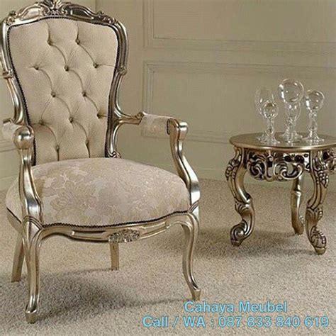 Kursi Santai 1 Set 2 Pcs kursi santai klasik mewah silver cahaya mebel jepara