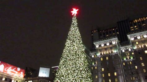 christmas tree union square san francisco california 2016