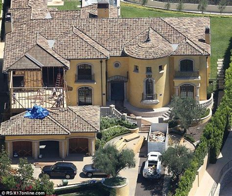 kris jenners house 17 best images about krazy for kardashian on pinterest bruce jenner pool houses and