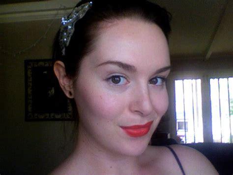Review Dan Lipstik Revlon revlon lustrous that pink reviews photos makeupalley