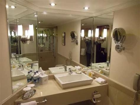 marriott bathrooms bedroom picture of islamabad marriott hotel islamabad