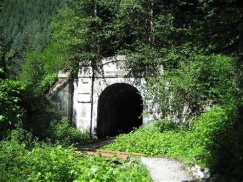 bridgehunter.com | gn old cascade tunnel