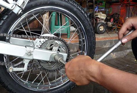 Rantai Sepeda Warna Biru tips bagaimana merawat rantai sepeda motor motorcycle