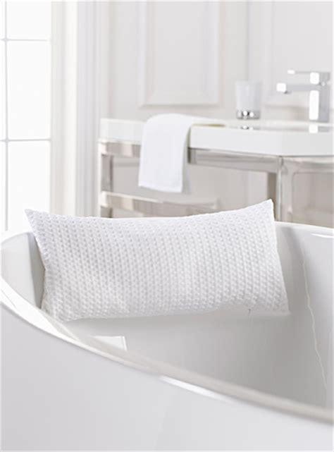 oreiller de baignoire le coussin de bain perles de gel bleues simons