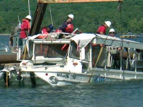 duck boat sank youtube duck boat that sank in table rock lake killing 17 passed
