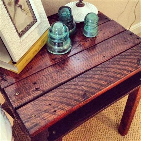 12 diy pallet side tables end tables 101 pallets diy rustic pallet end table 101 pallets