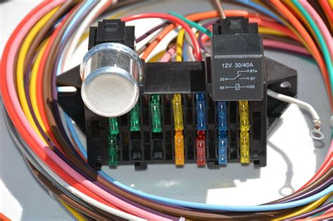 clean  circuit basic wire harness fuse box