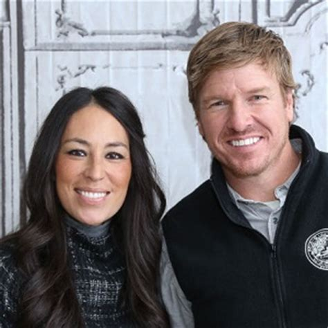 fixer upper s joanna gaines net worth career and salary also joanna gaines net worth age bio ethnicity height and wiki