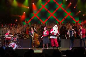 brisbane lord mayor s christmas carols hits sour note as