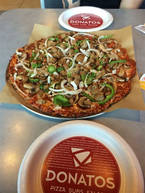 Table Pizza Albany Ca by Donatos New Albany 13 Reviews Pizza 5525 New