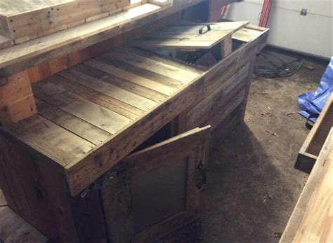 how to build a wood bar top diy recycled pallet wood bar table 99 pallets