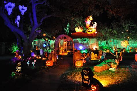 halloween themes for houses 20 house decorations that are winning halloween