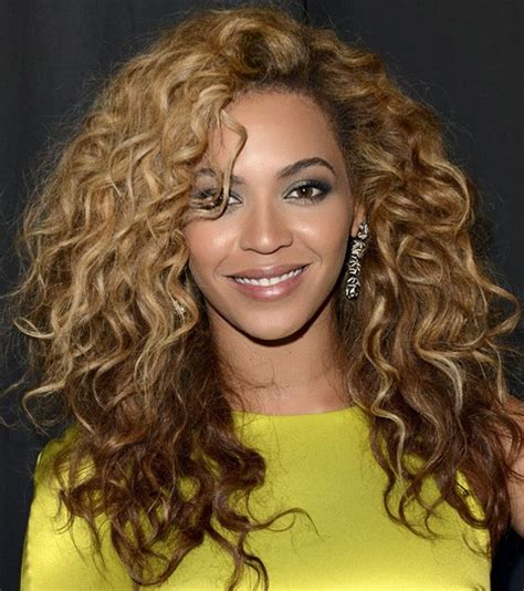 haircuts for voluminous curly hair beyonce hairstyles stylish voluminous long curls for a