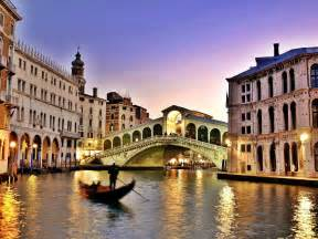 Town In Italy Venice Italy A City Of Canals And Palaces Tedy