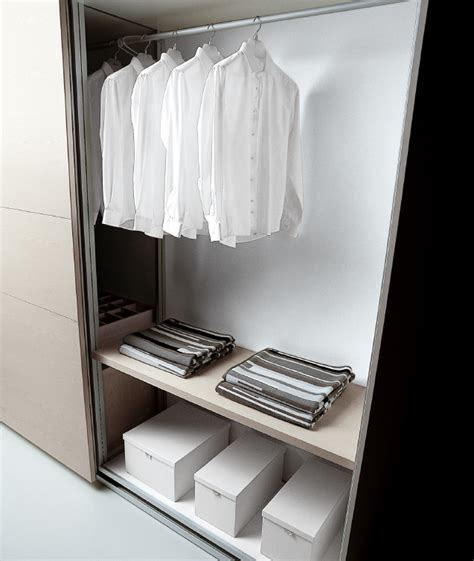 Minimalist Closet List by Minimalist Fashion Project 333 Begins Be More With Less