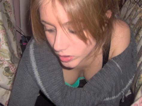 downblouse budding nipples real candid downblouse set31 035 bras they wear