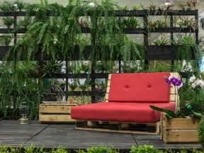 salon de jardin palette bois fabrication avantages