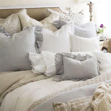 25 Best Ideas About Romantic Beds On Pinterest Painted