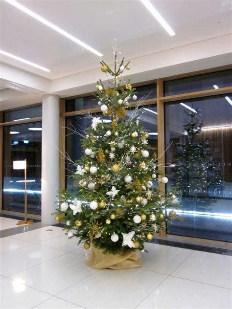 office christmas tree 10ft white and gold flowers by