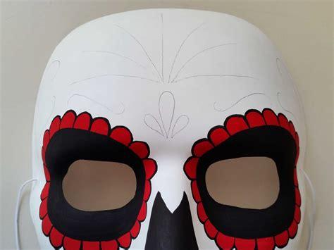 decorare x halloween come decorare a mano una maschera per halloween