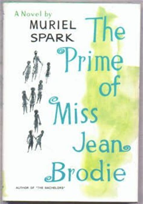 a comb the sayings of muriel spark books the prime of miss jean brodie by muriel spark reviews