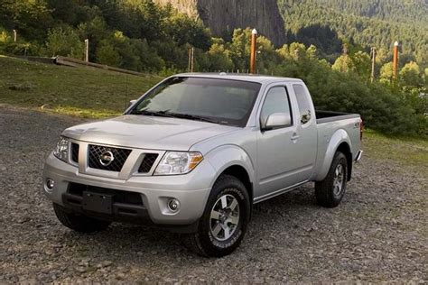 2010 nissan frontier used car review autotrader