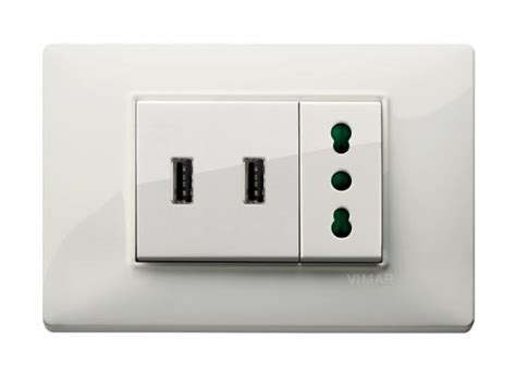 corrente porta usb nuove prese elettriche dotate di adattatore usb
