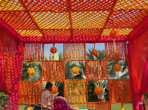 where and how much to spend on mehendi decor props mehendi decor at radisson blue udaipur wedding decor